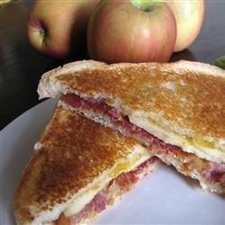 Grilled Bacon Apple Sandwich recipe