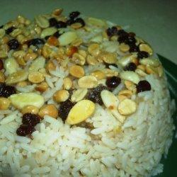 Ruzz Bi I Mukassarat - Egyptian Rice With Nuts recipe