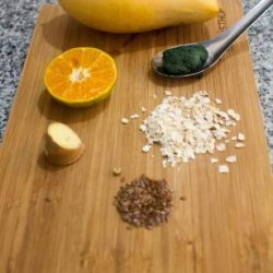 Spirulina, Quick Oats, Mango and Ginger Smoothie recipe