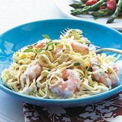 Creamy Garlic Shrimp and Pasta recipe
