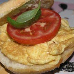 Nitko's Egg and Tomato Sandwich recipe