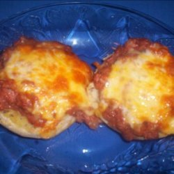 Broiled Roast Beef  'n Cheese English Muffins recipe