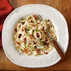 Fettuccine Alfredo With Bacon recipe