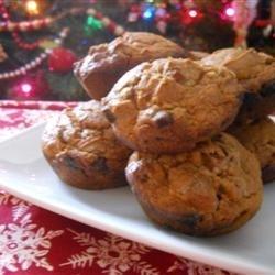Easy Pumpkin Cinnamon Chip Muffins recipe