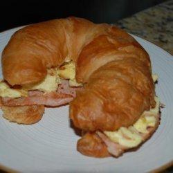Carmen's Easy Cheesy Breakfast Croissant Sandwich recipe