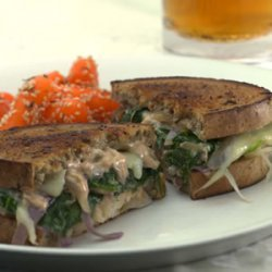 Vegetarian Reuben With Spinach And Mushrooms And R... recipe