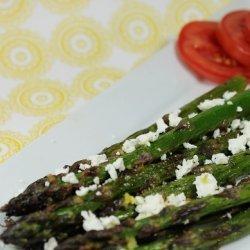 Lemon Garlic Asparagus With Goat Cheese recipe