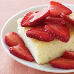 Cream Cake with Fresh Strawberries recipe