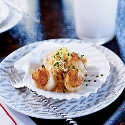 Nantucket Bay Scallops with Bay-Scented Butter recipe