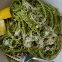 Spinach Pasta with Asparagus Pesto recipe