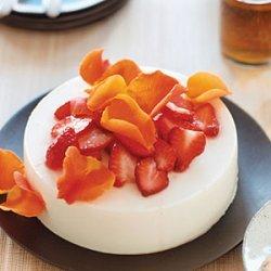 Yogurt Honey Jelly with Strawberries and Roses recipe