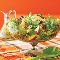 Green Salad with Apples and Toasted Walnuts recipe