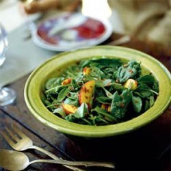 Spinach Salad with Nectarines and Spicy Pecans recipe
