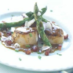 Pan-seared Scallops with Asparagus and Pancetta recipe