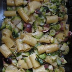 Baked Rigatoni with Brussels Sprouts, Figs, and Blue Cheese recipe