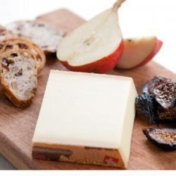 Le Gruyère Cheese Plate with Figs recipe