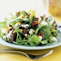 Mixed Greens with Pears and Spicy Pecans recipe