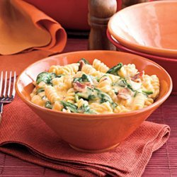 Spinach-Bacon Mac and Cheese recipe