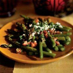 Asparagus Salad with Piquillo Peppers and Capers (Ensalada de Esparragos con Alcaparras) recipe