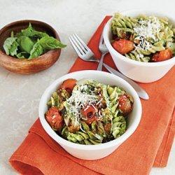 Pesto Pasta with Chicken and Tomatoes recipe