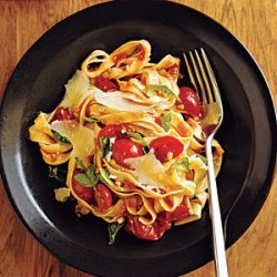 Pasta with Fresh Tomato-Basil Sauce recipe