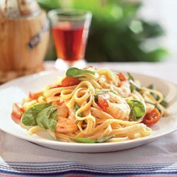 Tomato Fettuccine with Shrimp and Arugula recipe