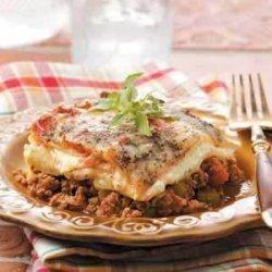 Beef 'n' Sausage Lasagna (ground beef and Italian sausage) recipe
