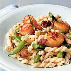 Seared Scallop Gemelli with Asparagus, Snap Peas, and Pecorino recipe