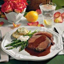 Beef Tenderloin With Henry Bain Sauce recipe