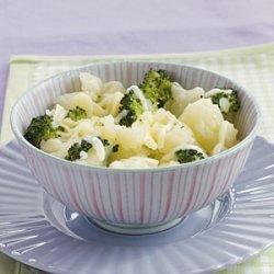 Cheesy Broccoli Potatoes recipe