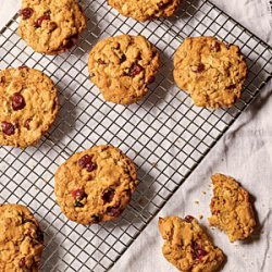 Oatmeal Cookies with Orange-Soaked Cranberries recipe
