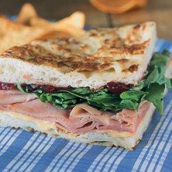 Ham and Arugula Sandwiches with Cranberry Chutney recipe
