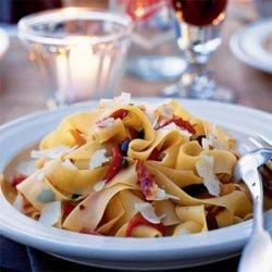 Roasted Pepper, Kalamata, and Prosciutto Pasta recipe