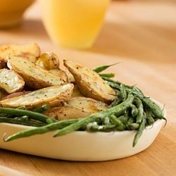 Roasted Fingerlings and Green Beans With Creamy Tarragon Dressing recipe