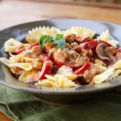 Pasta with Caramelized Onions, Mushrooms, and Bell Pepper recipe