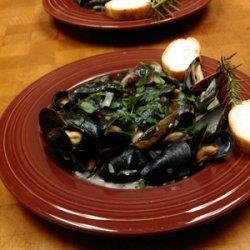 Lynn's Steamed Mussels recipe