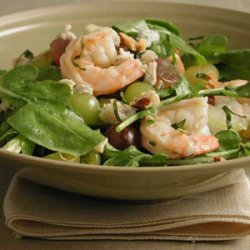 Arugula Salad with Shrimp and Grapes recipe