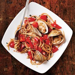 Pasta with Fresh Tomato Sauce and Clams recipe