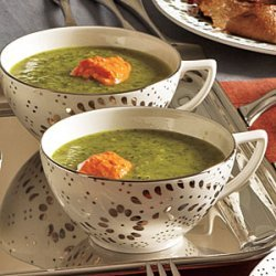 Fennel and Spinach Soup with Roasted Pepper Yogurt recipe