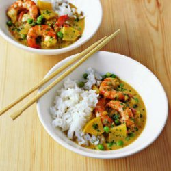Spicy Shrimp Curry with Coconut Milk and Apple recipe