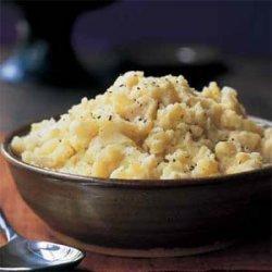 Mashed Potatoes with Roasted Garlic and Rosemary recipe