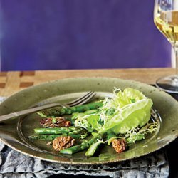 Morel-and-Asparagus Salad with Frisée and Butter Lettuce recipe