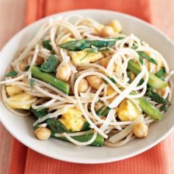 Brown Rice Pasta, Asparagus, and Eggs recipe