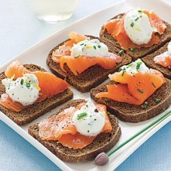 Pumpernickel Toasts with Smoked Salmon and Lemon-Chive Cream recipe