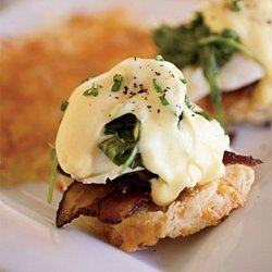 Eggs Benedict with Bacon and Arugula recipe