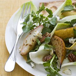 Spiced Pecan and Roasted Pear Salad recipe