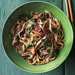 Stir-Fried Rice Noodles with Beef and Spinach recipe