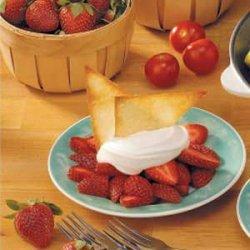 Strawberries with Crisp Wontons recipe