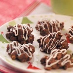 Chocolate Zebra Clusters recipe