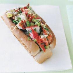 Lobster Rolls with Lemon Vinaigrette and Garlic Butter recipe